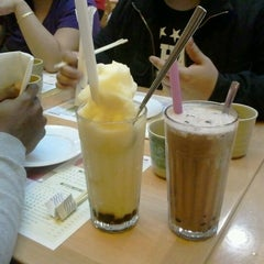 Photo taken at Sunway Restaurant by kevin r. on 1/18/2012