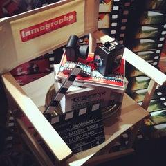 Foto tomada en Lomography Gallery Store Madrid-Argensola por Fabio K. el 11/3/2011