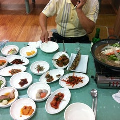Photo taken at 흥덕식당 by Kang S. on 9/26/2011
