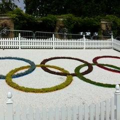 Das Foto wurde bei The All England Lawn Tennis Club von Steve Q. am 8/4/2012 aufgenommen