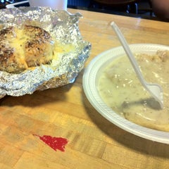 Photo taken at Ripple Bagel & Deli by Max K. on 3/18/2012