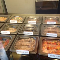 Photo taken at Golden Spoon by Bianca L. on 4/14/2012