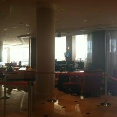 Photo taken at Detroit Marriott at the Renaissance Center by Vanessa K. on 7/20/2012