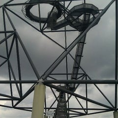 Photo taken at Tetraeder (Halde Beckstraße) by Rene N. on 3/18/2012