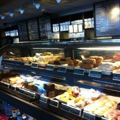 Photo taken at Starbucks by Duarys S. on 3/18/2012