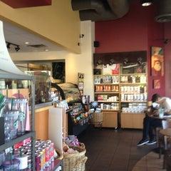 Photo taken at Starbucks by Yxes 💋🍂🍁 ☕. on 8/6/2012