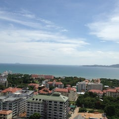 Photo taken at Pattaya Hill Resort by Joey L. on 5/25/2012