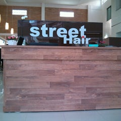 Photo taken at Street Hair - Cabelo e Estética by Marcos G. on 7/14/2012