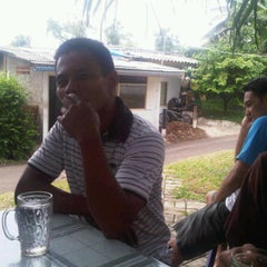 Photo taken at Kantin Kampus IPDN by Stephanie A. on 11/10/2011