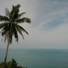 Photo taken at Haad Yao Resort D2 by Elena D. on 5/12/2012