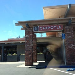 Photo taken at Chipotle Mexican Grill by Jerica G. on 8/7/2012