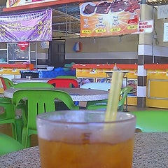 Photo taken at Maza Jungle Food Court by bark 7. on 4/25/2012