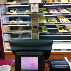 Photo taken at Dunkin' Donuts by Prometheis  XIII P. on 4/19/2012