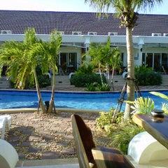 Photo taken at Smart Holiday Resort by Khun ⒶⓄⓂ ja ♩♪♫ on 12/31/2011