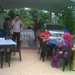 Photo taken at Batu 5 1/4 jalan langgar by Ikin A. on 8/22/2012