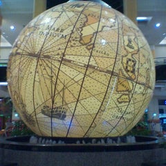 Photo taken at Centro Comercial Colombo by Cris M. on 10/26/2011