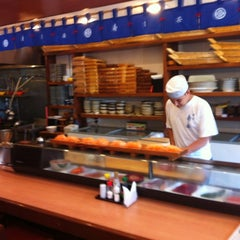 Photo taken at Sushi Yassu by Roberto L. on 8/22/2012