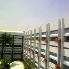 Photo taken at มหาวิทยาลัยหอการค้าไทย (UTCC) University of the Thai Chamber of Commerce by nextp P. on 3/21/2012