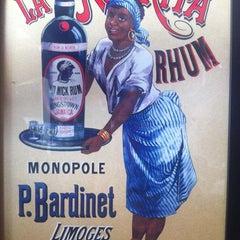 Photo taken at Bar Nega Ló by Roni C. on 4/14/2012