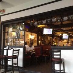 Foto tirada no(a) Sid's Pub por Jaime T. em 8/1/2012