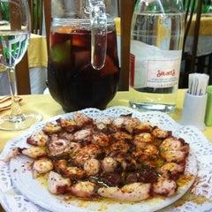 Photo taken at Restaurante El Tiburón by Alex on 8/2/2012