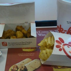 Photo taken at Chick-fil-A by Tim S. on 9/22/2011