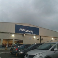 Photo taken at PriceSmart Barranquilla by Caliche B. on 8/19/2012