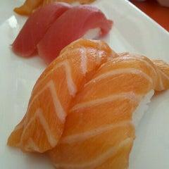 Photo taken at Octopus Japanese Restaurant Sushi by Klariza H. on 7/10/2011