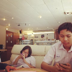 Photo taken at Scoop ice cream by Jeremy s. on 5/11/2012