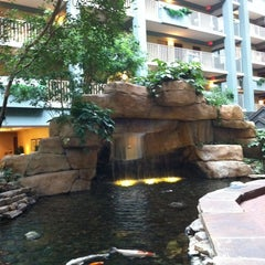 Photo taken at Embassy Suites by Hilton Pittsburgh International Airport by Eddie K. on 5/19/2011