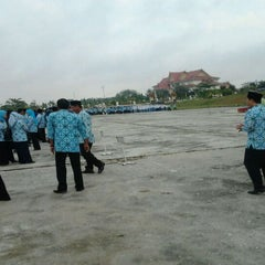 Photo taken at Lapangan Upacara Kantor Bupati by BEBEN M. on 9/19/2011