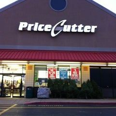 Photo taken at Price Cutter Plus by Becci B. on 12/4/2011