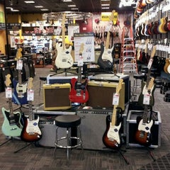 Photo taken at Guitar Center by George H. on 3/23/2012