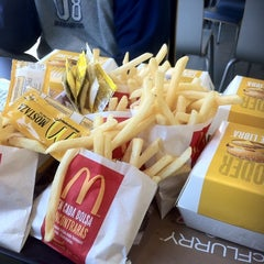 Photo taken at McDonald's by Manuel Z. on 9/7/2011