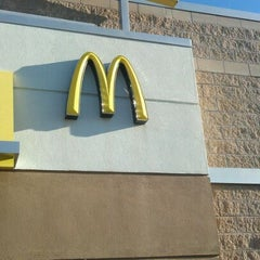Photo taken at McDonald's by Marvin W. on 12/30/2011