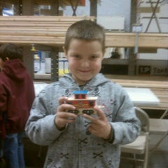 Photo taken at Lowe's Home Improvement by Hugh T. on 12/3/2011