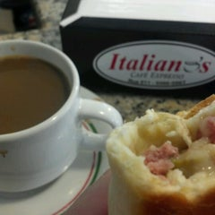 Photo taken at Italiano's Café Expresso by Alisson B. on 8/16/2012
