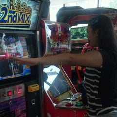Photo taken at Timezone by Nadira z. on 2/1/2012