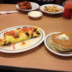 Photo taken at IHOP by Keren T. on 5/28/2012