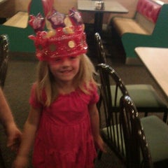 Photo taken at Chuck E. Cheese's by Vicki T. on 11/13/2011