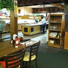 Photo taken at Hoss' Steak & Sea by Lynda L. on 5/22/2012