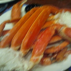Photo taken at Capt Jacks Seafood Buffet by Nikki on 8/18/2012