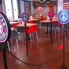 Photo taken at American Roadside Burgers by Khoy B. on 8/20/2012