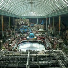 Photo taken at 롯데월드 (LOTTE WORLD) by MinJung K. on 7/9/2012