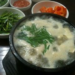 Photo taken at 김명자 굴국밥 by Sangwon C. on 2/26/2012