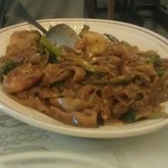 Photo taken at Esan Thai Restaurant by Zakary W. on 7/21/2012