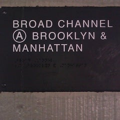 Photo taken at MTA Subway - Broad Channel (A/S) by Tarik E. on 7/7/2012