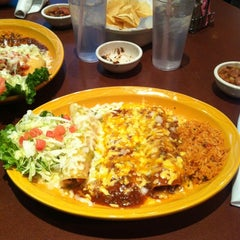 Photo taken at Uncle Julio's Fine Mexican Food by Mia G. on 4/24/2012