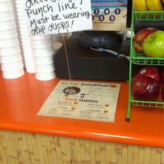 Photo taken at Tropical Smoothie Cafe by Shida J. on 6/15/2012