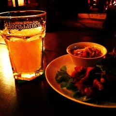 Photo taken at CHIQ Bar & Restaurant by Kanyarath U. on 3/10/2012